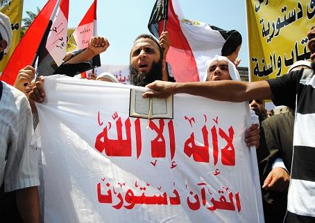 الدين تسليم بالإيمان والرأي تسليم بالاختلاف  معركة العلمانيين و الإسلاميين معركة بين الكافر والمسلم!! |
